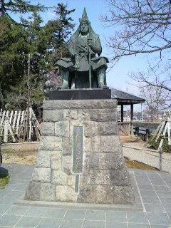 上杉謙信公の像.JPG