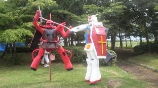 ガンダム VS ザク.JPG