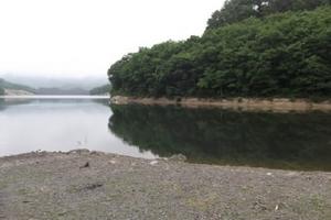 前川ダム 南側.JPG